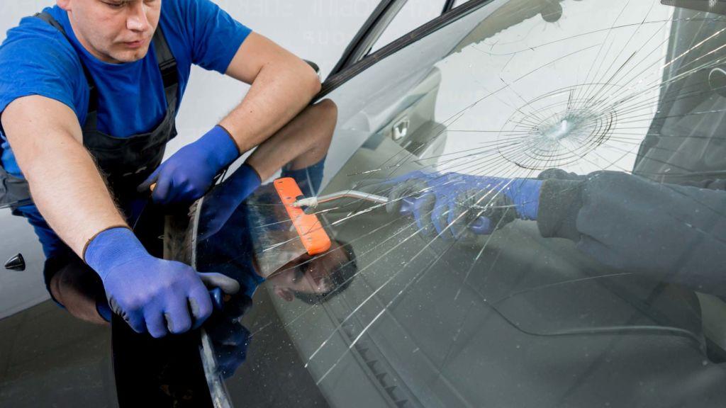 Autoglas-Steinschlagreparatur